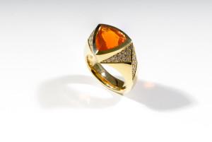 Feueropal Goldschmiede Geilsdorf Burgsteinfurt Ring Gelbgold Pavé Opal